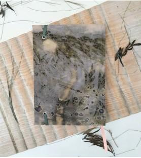 Bitácora A5 Ecoprint sobre tinte de palta